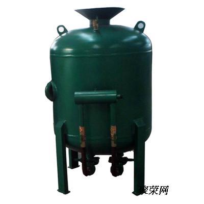 手动控制方式相对于气动控制机型在结构没有气控砂阀,气阀各与枪头
