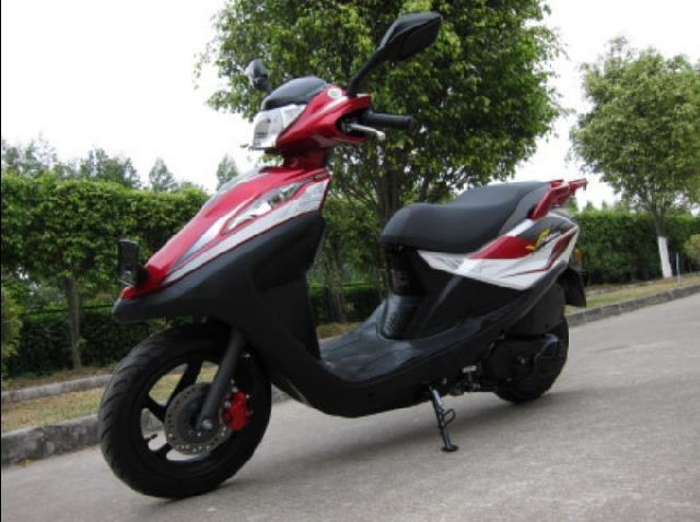 出售五羊本田名悦100踏板两轮摩托车