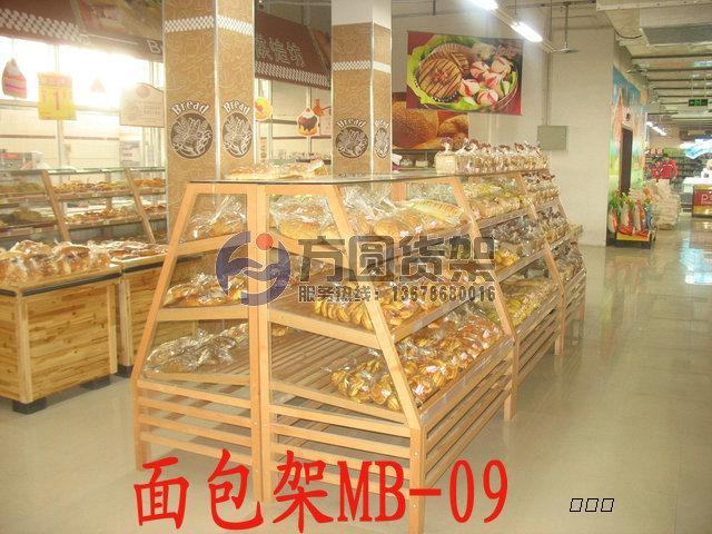 主要产品有各种规格的超市木制货架,散货架,果蔬架,木制粮食架,面包架