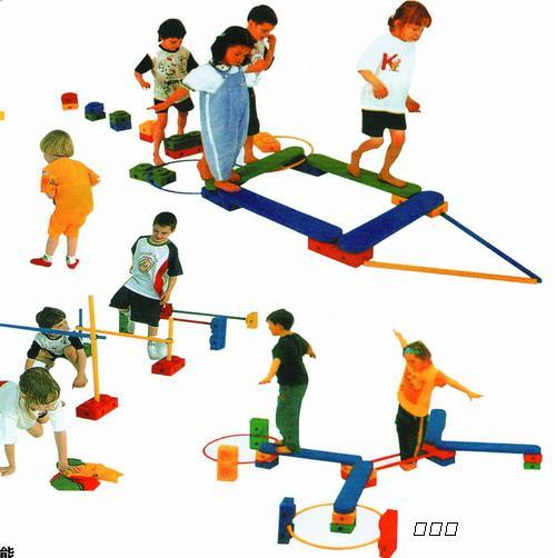 玻璃钢滑梯,蹦床,充气蹦蹦床,秋千,转椅,摇马,摇摆机,户外健身器材